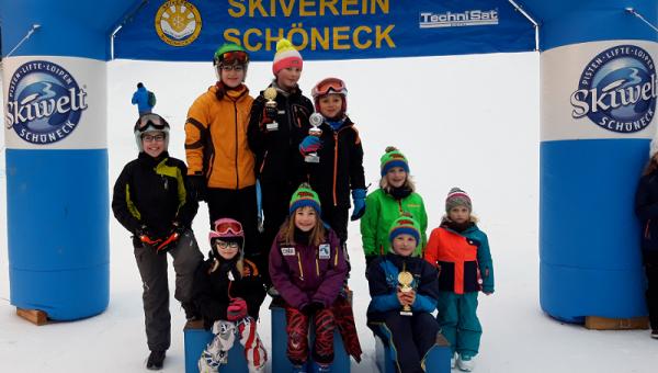 Erster alpiner Schneewettkampf...